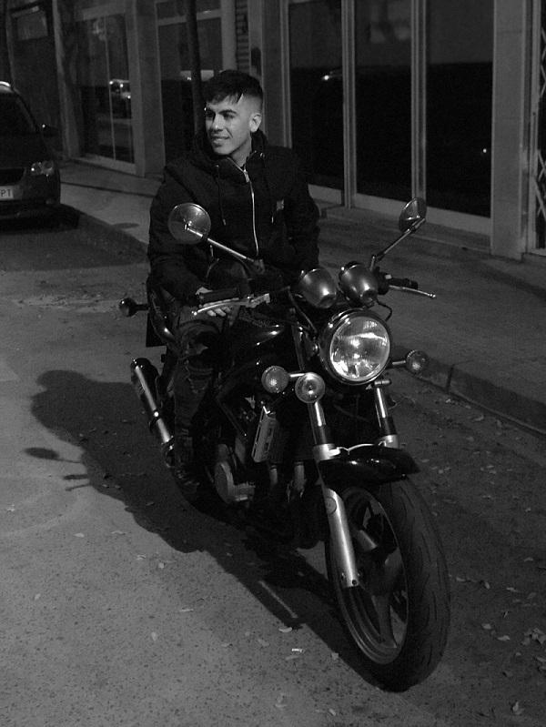 Fotos de nuestras Bandit - Página 14 Moto_clasica1_red